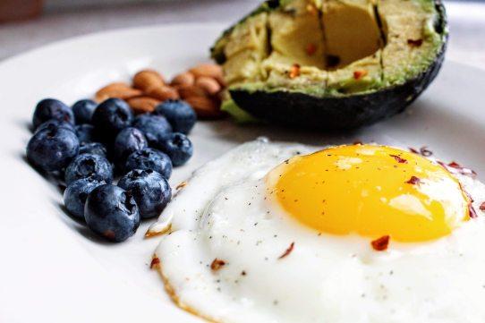 breakfast-delicious-diet-1305063.jpg